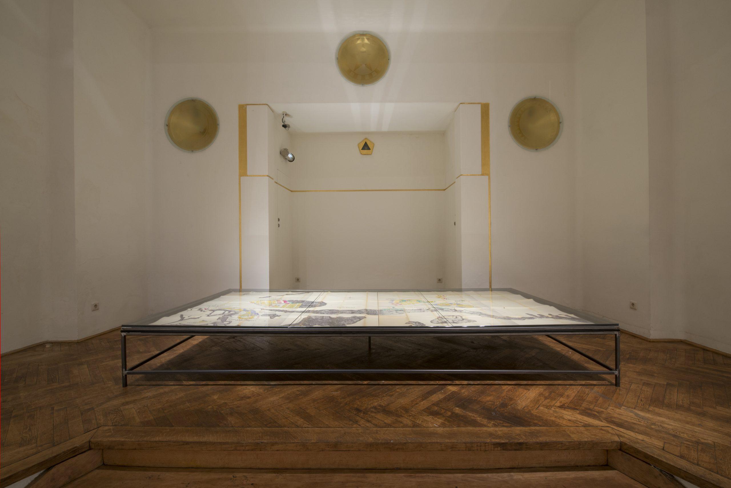 Sven Augustijnen, installation view at La Loge, 2016