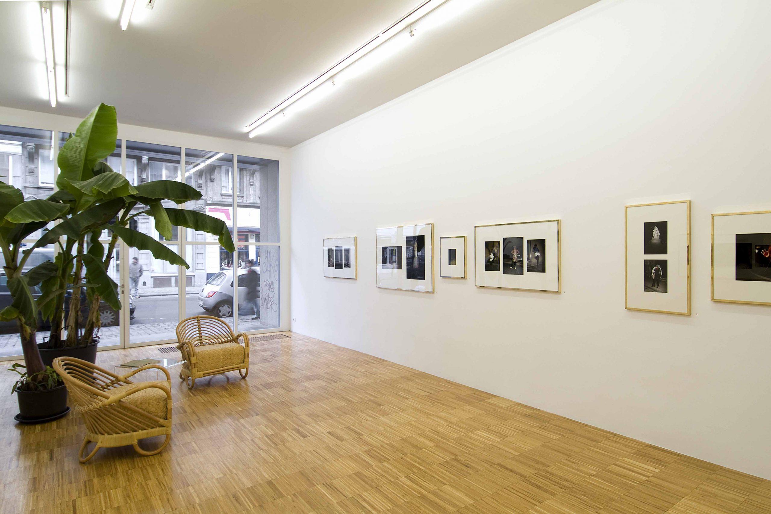 Sven Augustijnen - installation view at Jan Mot, 2008